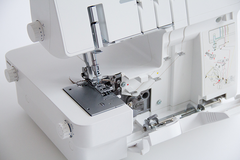 pattydoo blog, my sewing machines: PFAFF hobbylock 2.5 overlocker / serger