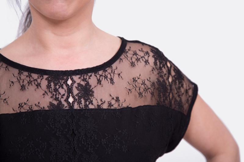 Damenshirt Spitze nähen Ausschnitt